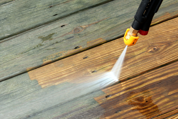 pressure washing home